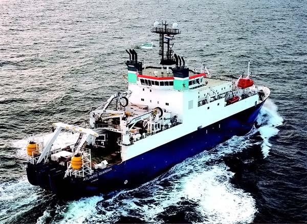 судно автоматически подруливается, оставаясь на месте в нужной точке